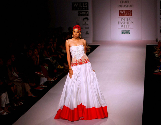 charu-parashar-design-wills-india-fashion-week-spring-summer-2014