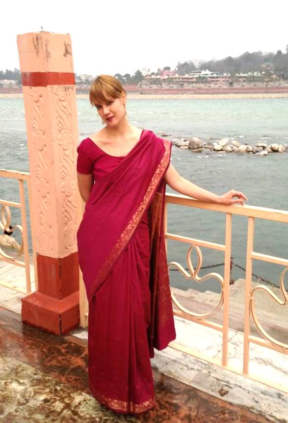 jenn-koiter-at-rishikesh-touch18